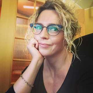 AnnaBryukhanova avatar