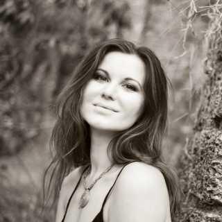 ElyaShuvalova avatar