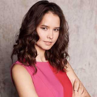 ElyaKhisaeva avatar