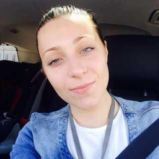 PolinaMikhe avatar