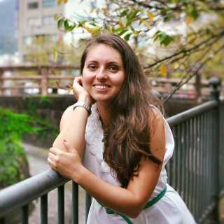 CristinaEne avatar
