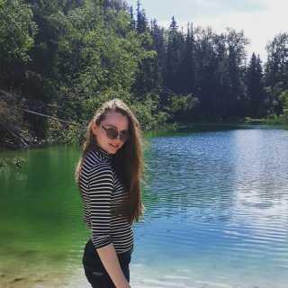 AnastasiaSenik avatar