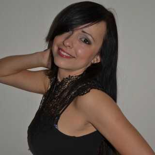 ElenaAntonova_8dd30 avatar