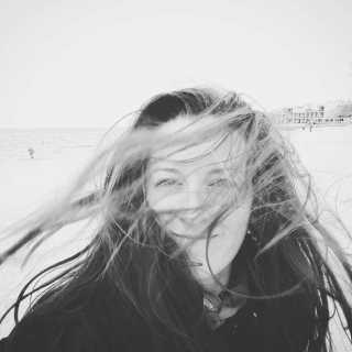 LaviniaMarica avatar