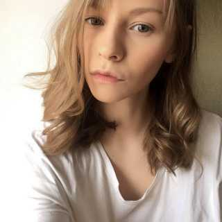 JuliaGoncharova_5caf8 avatar