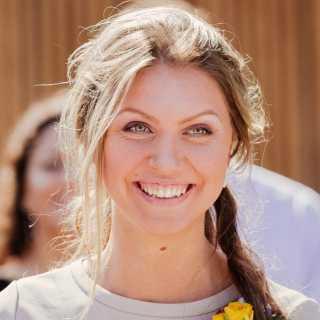 AnnaMouz avatar