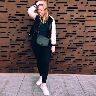 HelenaProcyszyna avatar