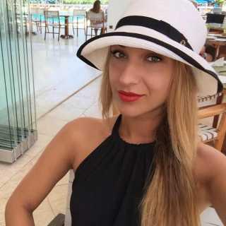 AnnaKharlamova avatar