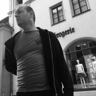 VitaliiKhromov avatar