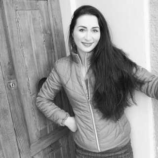 LauraJashuyeva avatar