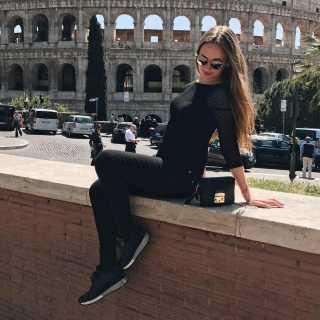 AnastasiaOleksenko avatar