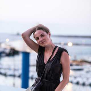 AlinaTrogova avatar