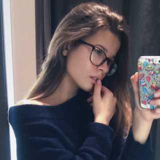 PolinaSoloveva avatar