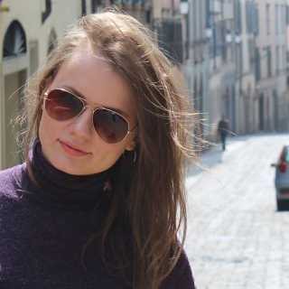 DariaLarionova avatar