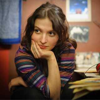 AlinaLomenkova avatar