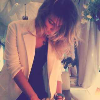AnnaSelyukova avatar
