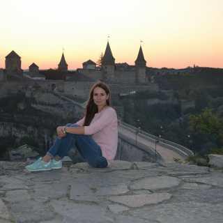 YuliaNikitina avatar