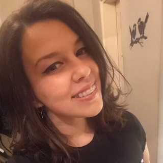 VeeBoneva avatar