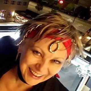 AlinaKarpenko_653c2 avatar