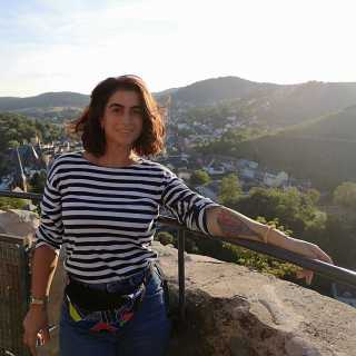 JulieMarukyan avatar