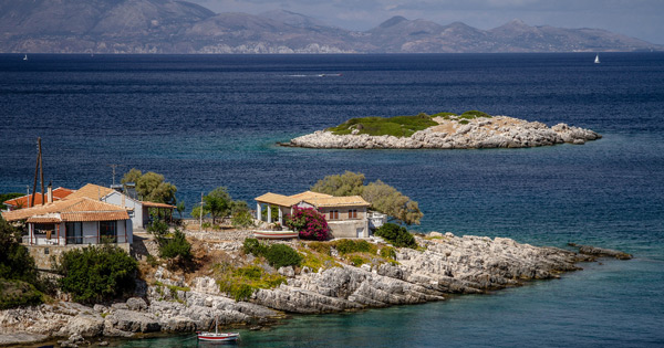 40 Best places to visit in Greece
