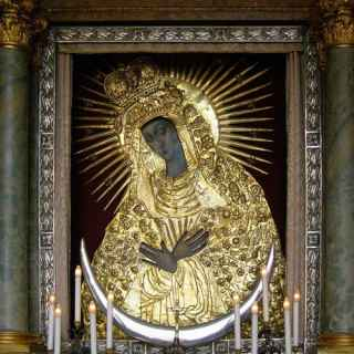Icon of Our Lady of the Gate of Dawn