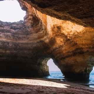 Пещеры пляжа Бенагил