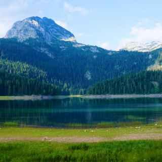 Чёрное озеро