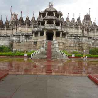 Джайнистский храм Ранакпура