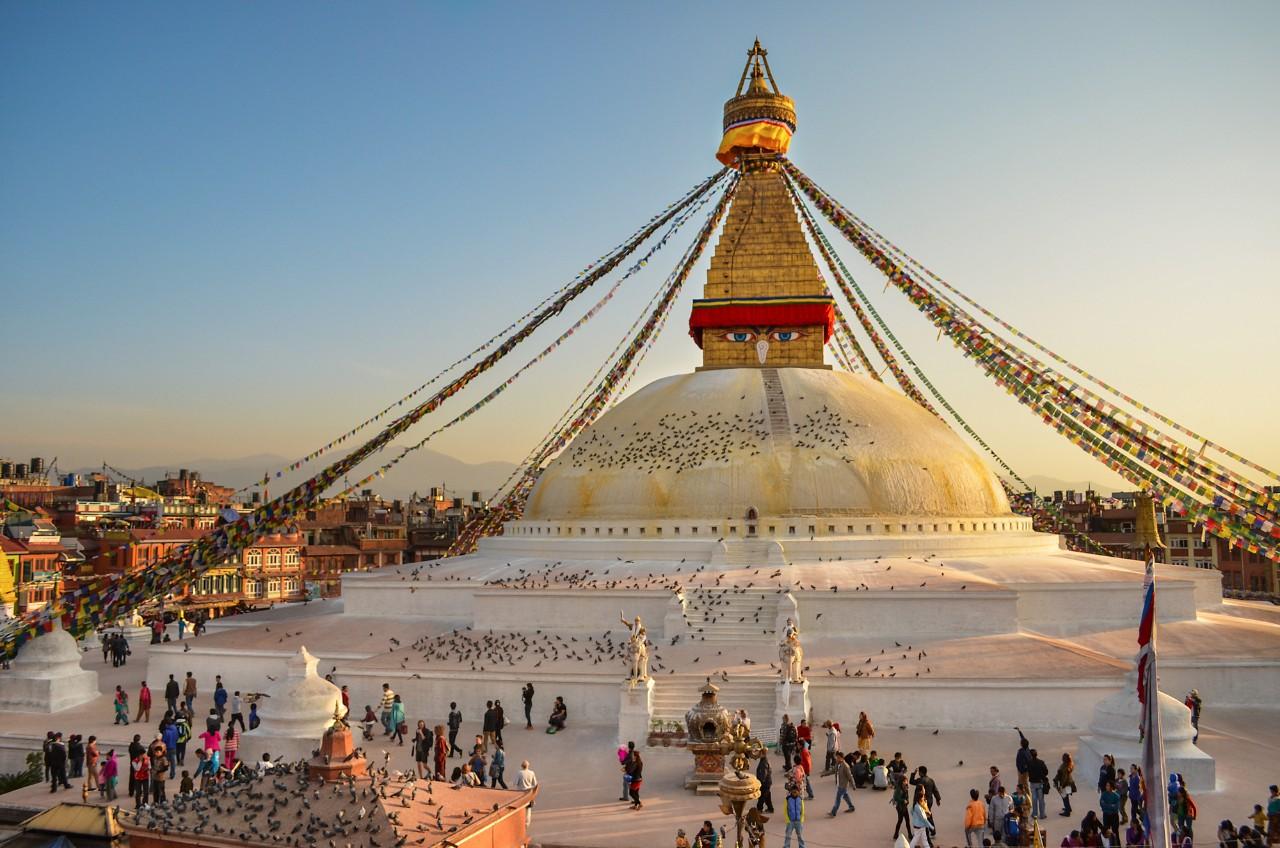 Ступа Боднатх в Катманду на закате.