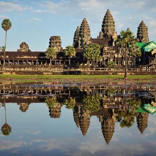 Неизменный Ангкор Ват.