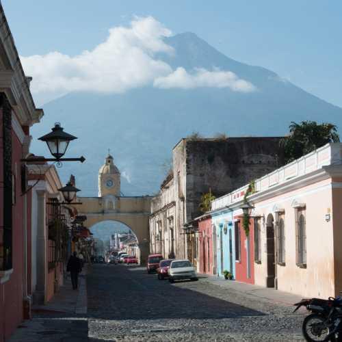 Для жителей Антигуа «жить на вулкане» — не просто точная метафора…