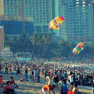 Главный пляж вьетнамского города Нячанг.