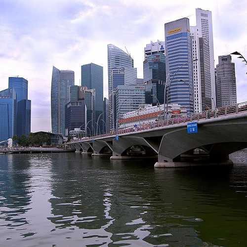 Вид на небоскребы Сингапура.