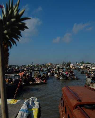 Жизнь на воде — дельта Меконга во Вьетнаме.