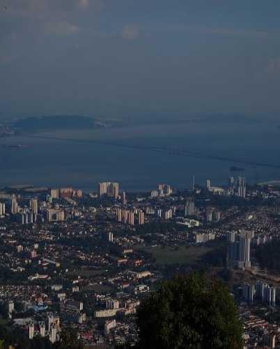 Вид на Пенанг сверху.
