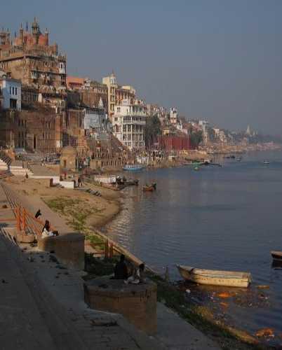 Таинственный город на берегу Ганга.