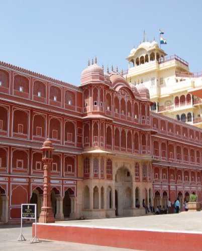 Городской дворец в Джайпуре — индийском городе, на время ставшим для меня вторым домом.