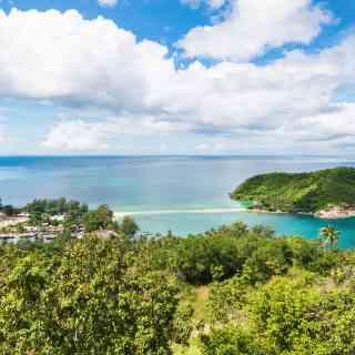 Маленький островок на севере острова Панган, соединенный с сушей маленькой песчаной косой.