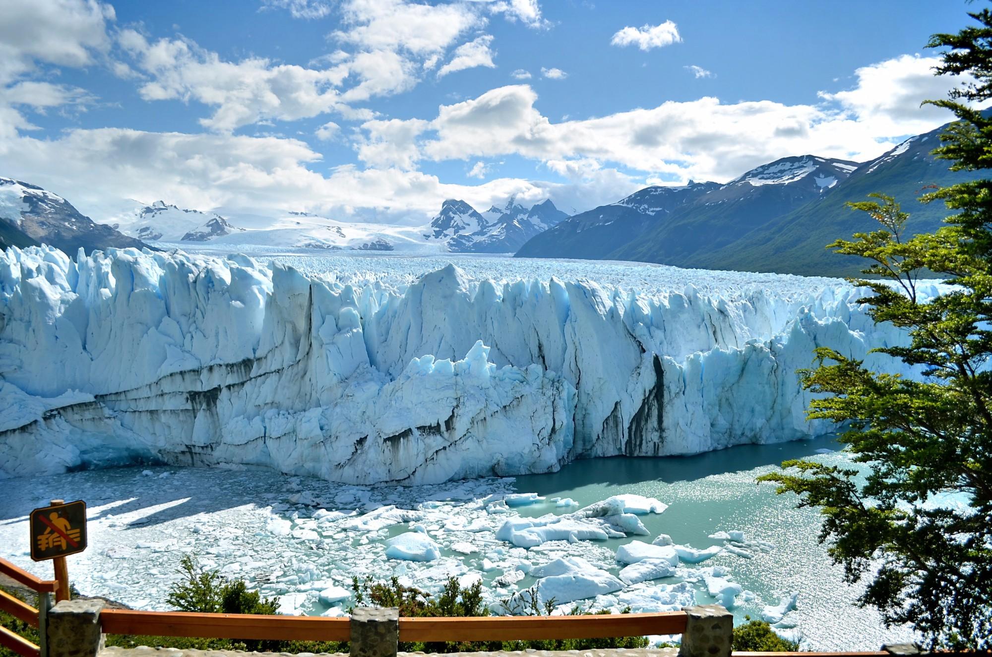 Удивительный и неповторимый — ледник Перито Морено. Здесь я в первый раз поверила, что лед может быть голубым…