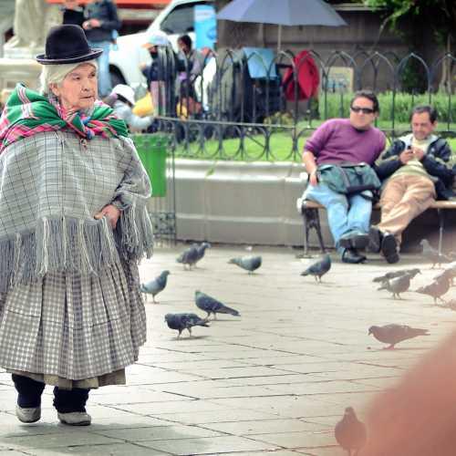 Колоритная бабушка в боливийском Ла-Пасе.