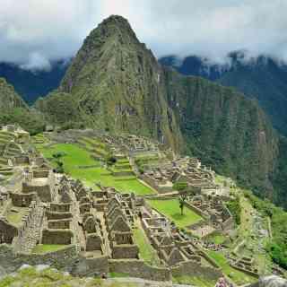 Мачу Пикчу на рассвете — до того, как успевают набежать десятки тысяч туристов…