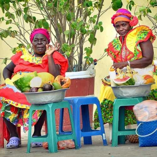 Колоритные колумбийские женщины.
