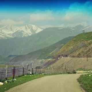 Где-то в горах Азербайджана.