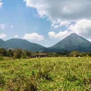 Пейзажи в окрестностях городка Ла Фортуна в Коста-Рике.