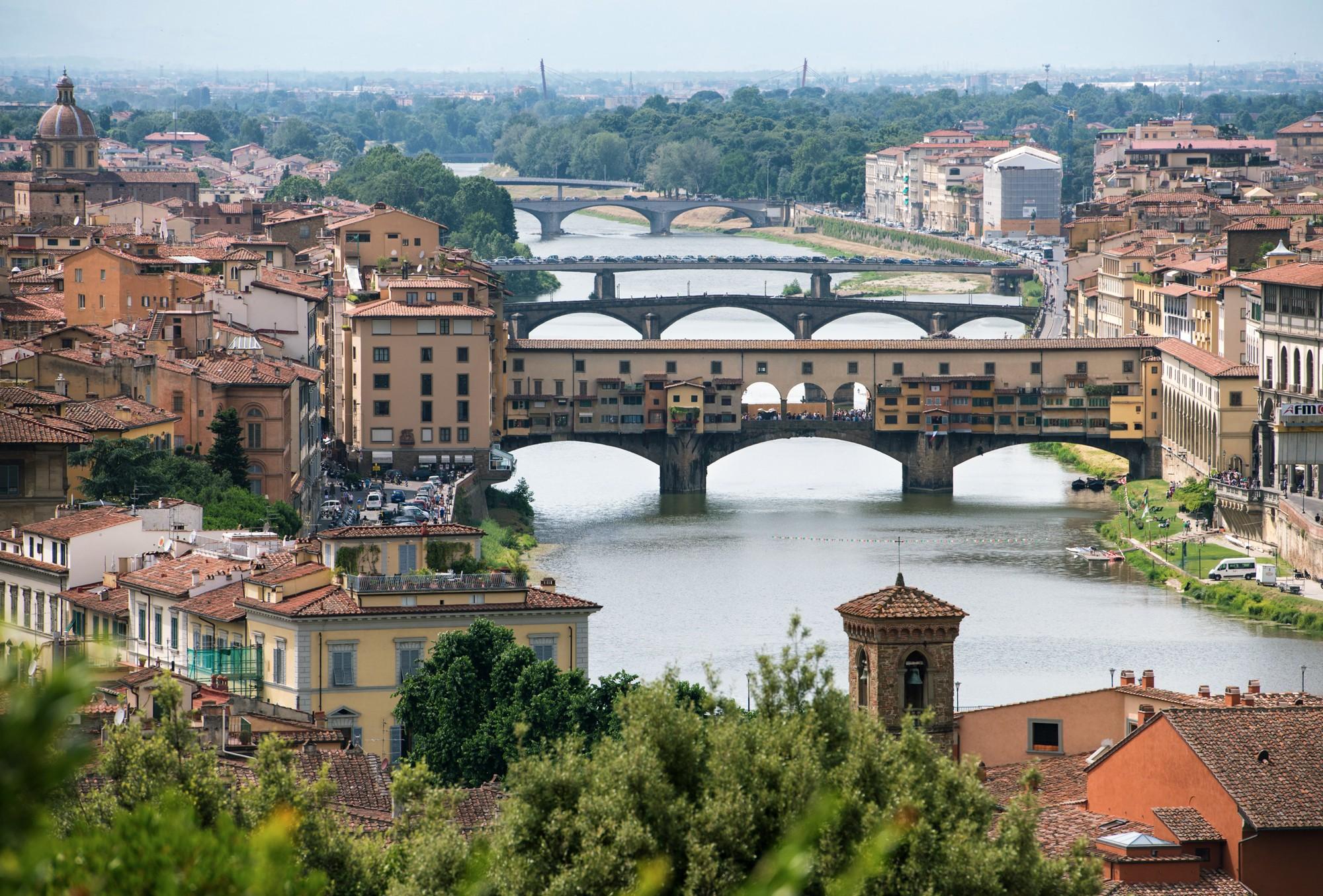 Многослойные мосты Флоренции.