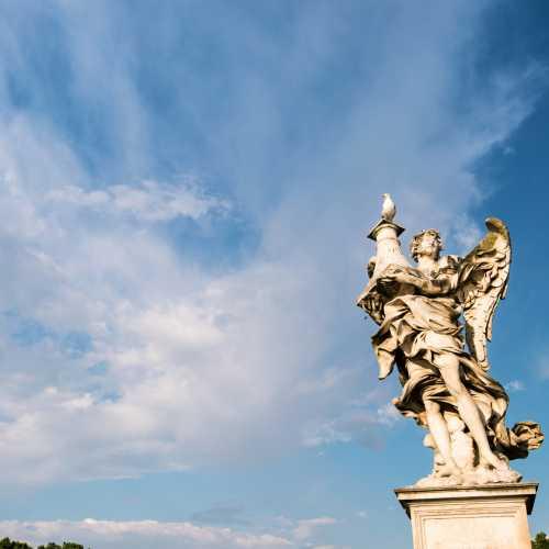 Ангел на мосту в Риме.