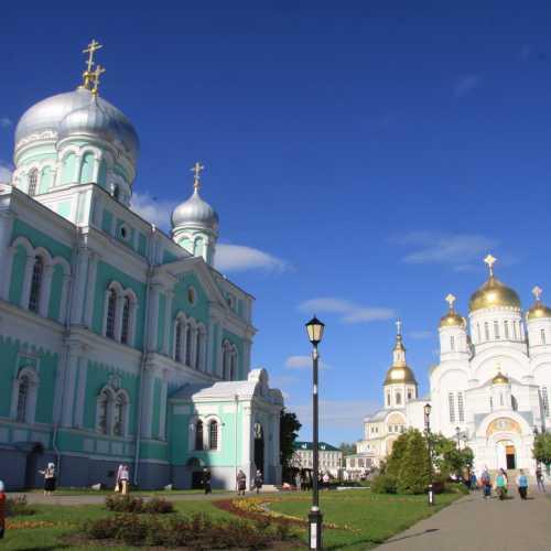 Свято-Троицкий Серафимо-Дивеевский женский монастырь, Russia