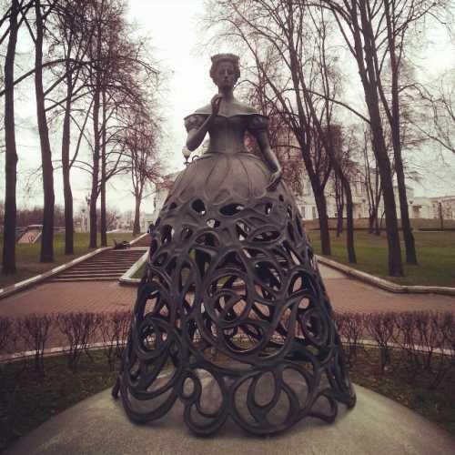 Минск (Около Оперного театра)