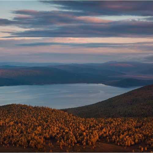 Озеро Хубсугул на закате